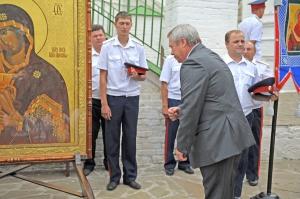 Губернатор поздравил казаков с праздником Донской иконы Божией Матери
