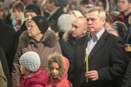Василий Голубев поздравил православных жителей Ростовской области с Рождеством