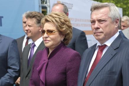 Валентина Матвиенко, Максим Соколов и Василий Голубев дали старт движению по новому Аксайскому мосту